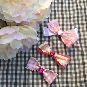🌸Handmade Custom Made Bow Tie Hair Clips.